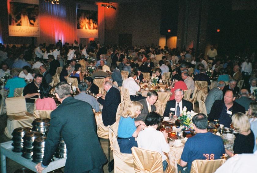Banquet - The Crowd